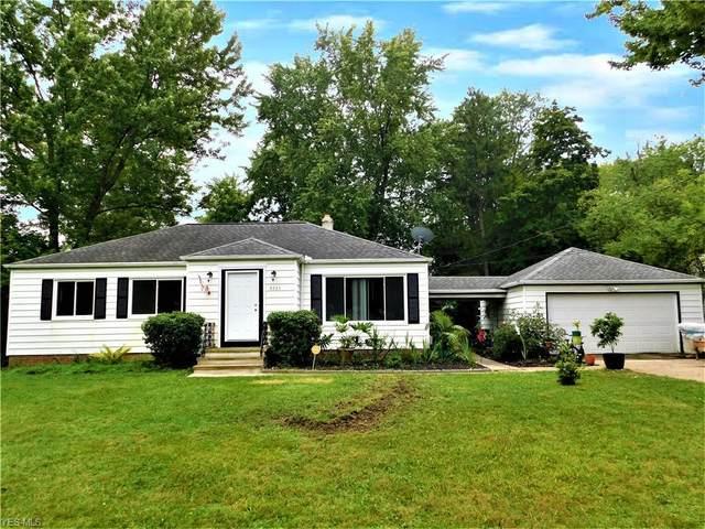 9735 W Ridgewood Drive, Parma Heights, OH 44130 (MLS #4222319) :: Keller Williams Chervenic Realty