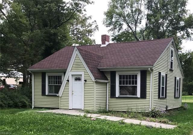 1915 Brookfield Road, Hubbard, OH 44425 (MLS #4223058) :: Keller Williams Chervenic Realty