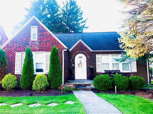 508 N Market Street, Minerva, OH 44657 (MLS #4223107) :: Keller Williams Chervenic Realty