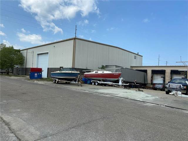 226 Connecticut Avenue, Lorain, OH 44052 (MLS #4225385) :: The Holden Agency