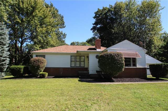 221 Barrington Ridge Road, Painesville, OH 44077 (MLS #4225492) :: The Crockett Team, Howard Hanna