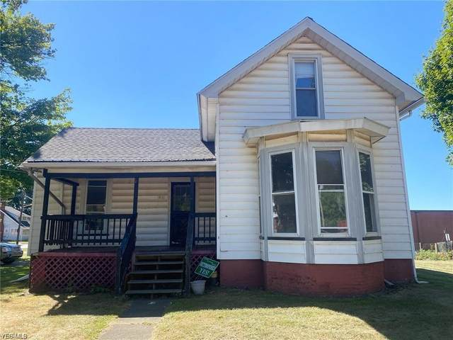 311 Mill Street, Conneaut, OH 44030 (MLS #4225895) :: The Holden Agency
