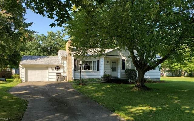 3306 Decamp, Youngstown, OH 44511 (MLS #4226529) :: Keller Williams Chervenic Realty