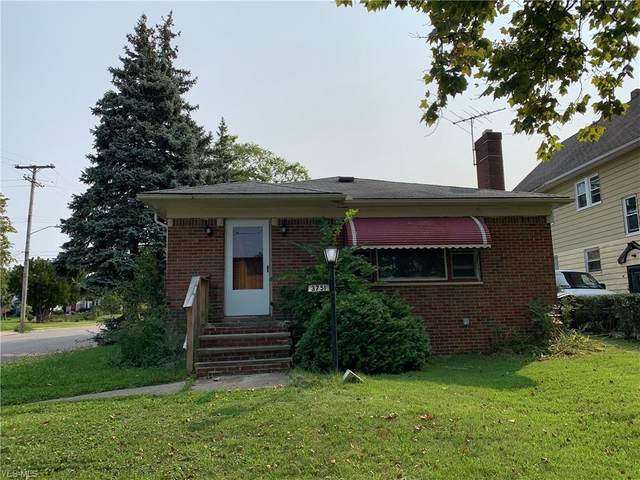 3751 E 154 Street, Cleveland, OH 44128 (MLS #4226895) :: The Holden Agency