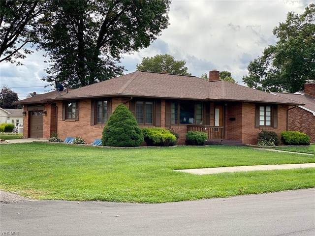 846 Hardesty Avenue NW, New Philadelphia, OH 44663 (MLS #4228130) :: The Jess Nader Team | RE/MAX Pathway