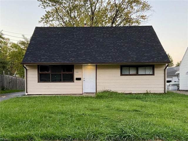 2254 Stephens NW, Warren, OH 44485 (MLS #4229076) :: The Art of Real Estate