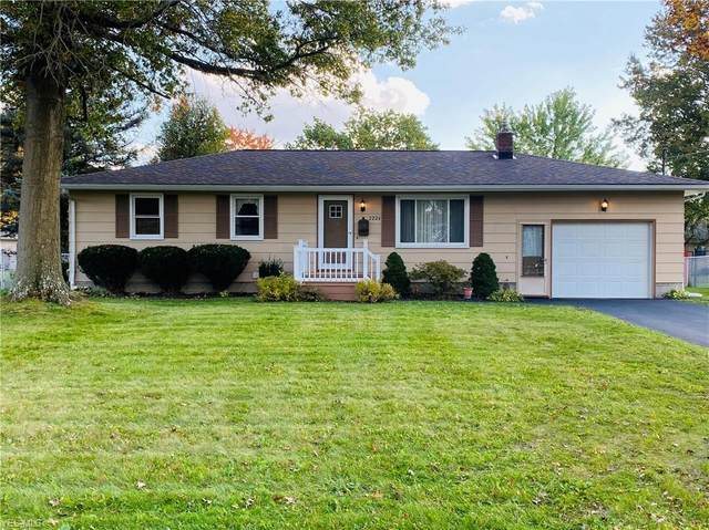 2226 Sprucewood Drive, Austintown, OH 44515 (MLS #4234704) :: The Holden Agency