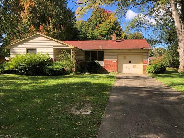 40 Woodleigh Court, Youngstown, OH 44511 (MLS #4234768) :: The Holly Ritchie Team