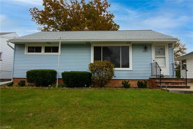 4371 W 182nd Street, Cleveland, OH 44135 (MLS #4235536) :: Select Properties Realty