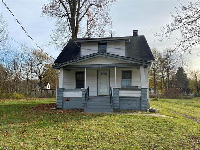 2907 Ridley Avenue, Youngstown, OH 44505 (MLS #4237811) :: The Holly Ritchie Team