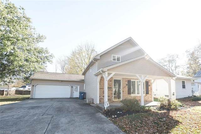 234 Union Street, Wellington, OH 44090 (MLS #4237873) :: The Jess Nader Team | RE/MAX Pathway
