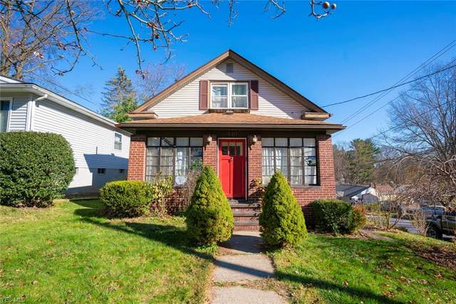 449 Barwell Street, Akron, OH 44303 (MLS #4239580) :: Keller Williams Chervenic Realty