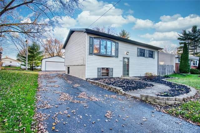 7720 Anderson Avenue NE, Warren, OH 44484 (MLS #4239627) :: Keller Williams Chervenic Realty