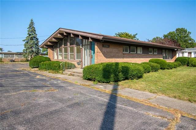 1136 W 37th Street #1, Lorain, OH 44052 (MLS #4243452) :: The Holden Agency