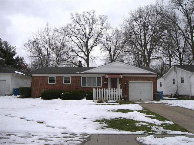 2056 E 37th Street, Lorain, OH 44055 (MLS #4244087) :: Keller Williams Legacy Group Realty