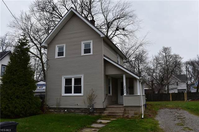 1711 W 7th Street, Ashtabula, OH 44004 (MLS #4246408) :: The Crockett Team, Howard Hanna
