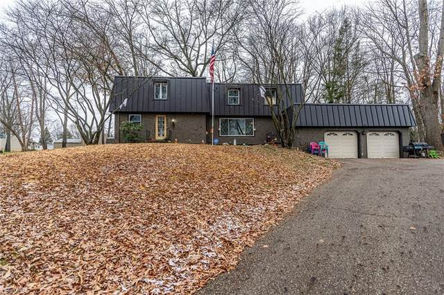 1009 Genoa Avenue NW, Massillon, OH 44646 (MLS #4247056) :: The Jess Nader Team | RE/MAX Pathway