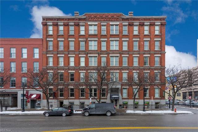 408 W Saint Clair Avenue #218, Cleveland, OH 44113 (MLS #4249302) :: TG Real Estate