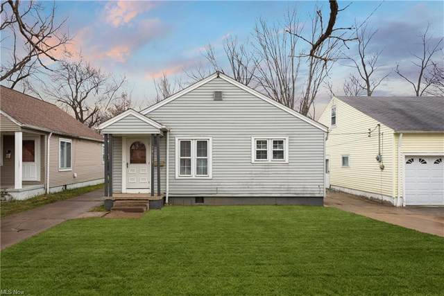 18613 Parkmount Avenue, Cleveland, OH 44135 (MLS #4249606) :: The Art of Real Estate