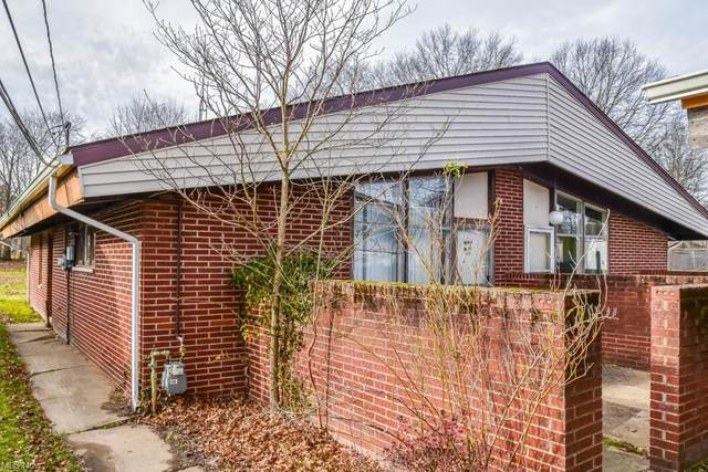 513 Wrexham Avenue SW, Massillon, OH 44646 (MLS #4250099) :: The Jess Nader Team | RE/MAX Pathway