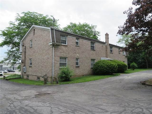 6898 Southern Boulevard, Youngstown, OH 44512 (MLS #4250359) :: The Crockett Team, Howard Hanna
