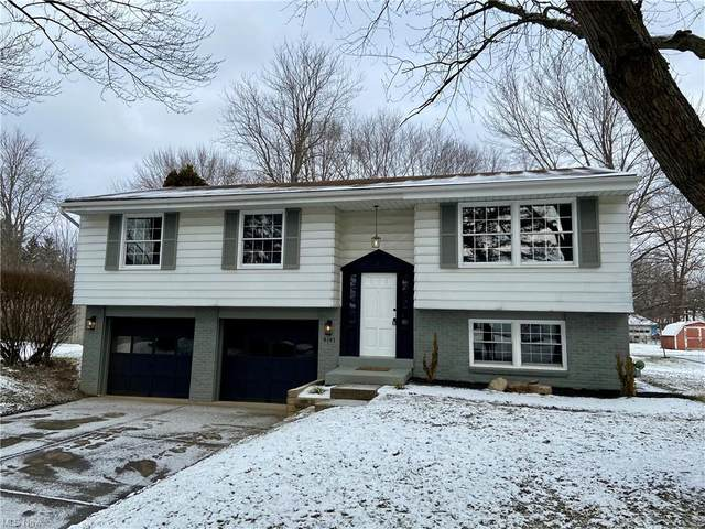 4147 Bellwood Drive SE, Warren, OH 44484 (MLS #4251174) :: The Jess Nader Team | RE/MAX Pathway