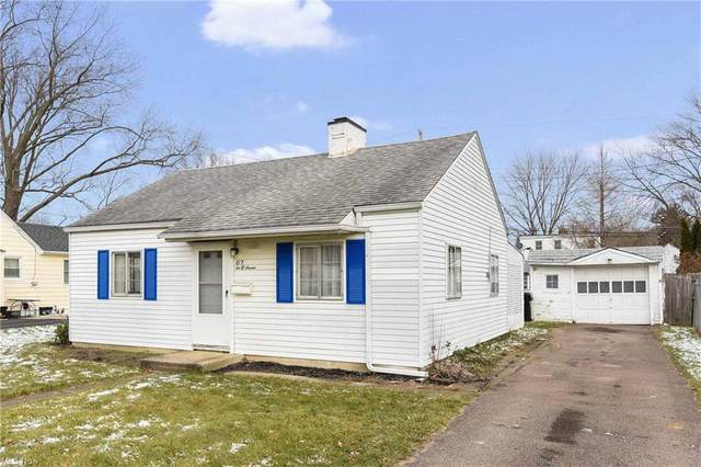 207 Beebe Avenue, Elyria, OH 44035 (MLS #4251191) :: The Art of Real Estate