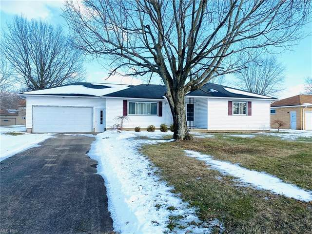 4809 Sampson Drive, Youngstown, OH 44505 (MLS #4254576) :: Keller Williams Chervenic Realty