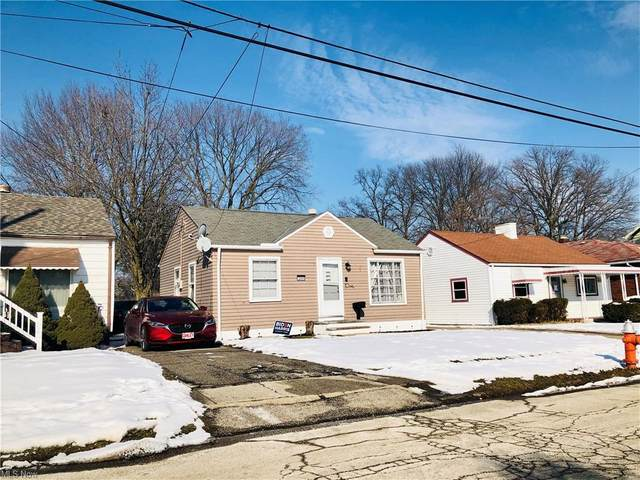 12406 Kirton Avenue, Cleveland, OH 44135 (MLS #4255766) :: The Holden Agency