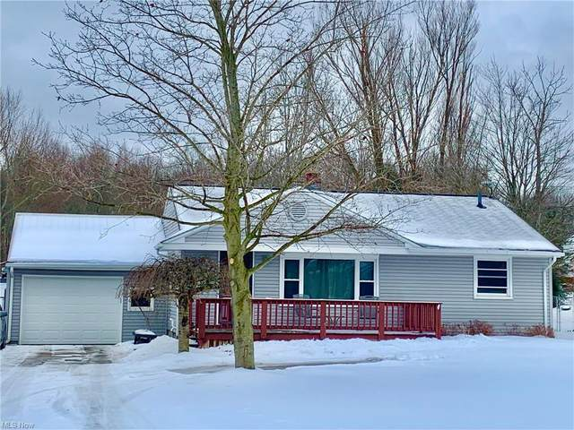 2275 Clearview Drive NW, Warren, OH 44483 (MLS #4257586) :: RE/MAX Trends Realty