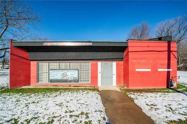 15409 Saint Clair Avenue, Cleveland, OH 44110 (MLS #4258015) :: The Holden Agency