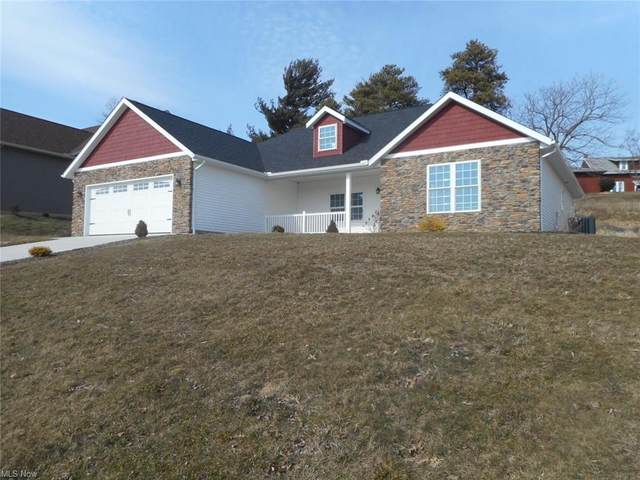 1030 Firman Drive SW, Sugarcreek, OH 44681 (MLS #4261174) :: The Jess Nader Team | RE/MAX Pathway