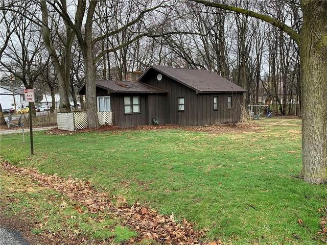 431 W Willowview Drive, Coventry, OH 44319 (MLS #4261883) :: The Kaszyca Team