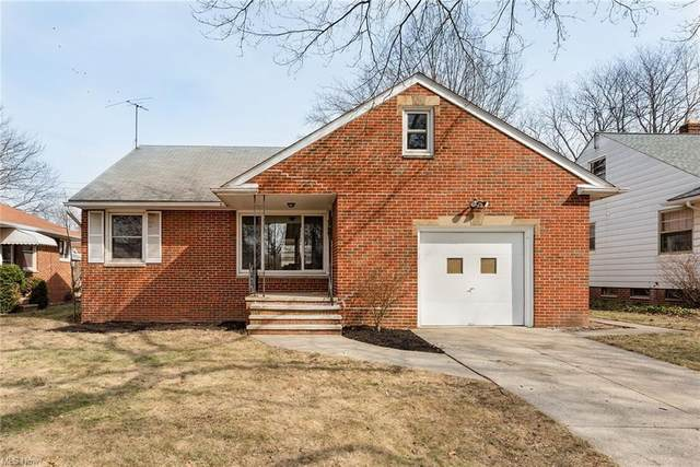 5851 Clearview Drive, Parma Heights, OH 44130 (MLS #4261939) :: Keller Williams Chervenic Realty