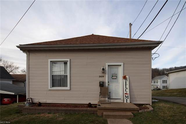 309 Welch Street, Dennison, OH 44621 (MLS #4262097) :: Keller Williams Chervenic Realty