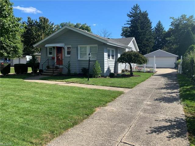 4391 W 229th Street, Fairview Park, OH 44126 (MLS #4262202) :: The Art of Real Estate