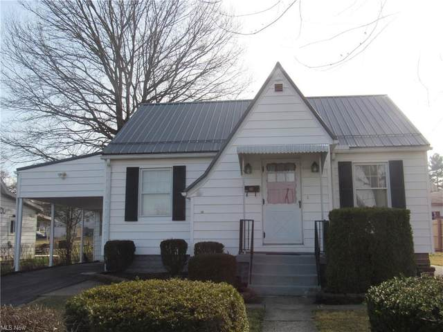 2456 Crew Ave, Zanesville, OH 43701 (MLS #4263042) :: The Holly Ritchie Team
