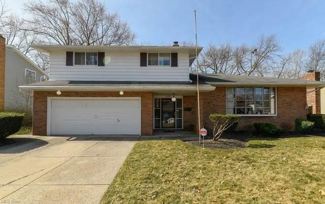 6824 Greenbriar Drive, Parma Heights, OH 44130 (MLS #4263212) :: The Crockett Team, Howard Hanna