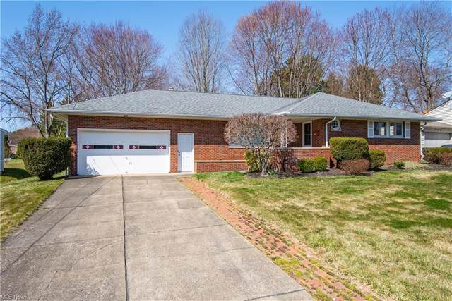 3244 S Wendover Circle, Youngstown, OH 44511 (MLS #4264077) :: The Holden Agency