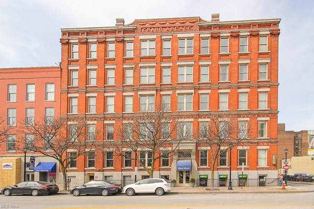 408 W Saint Clair Avenue #323, Cleveland, OH 44113 (MLS #4265318) :: Keller Williams Legacy Group Realty