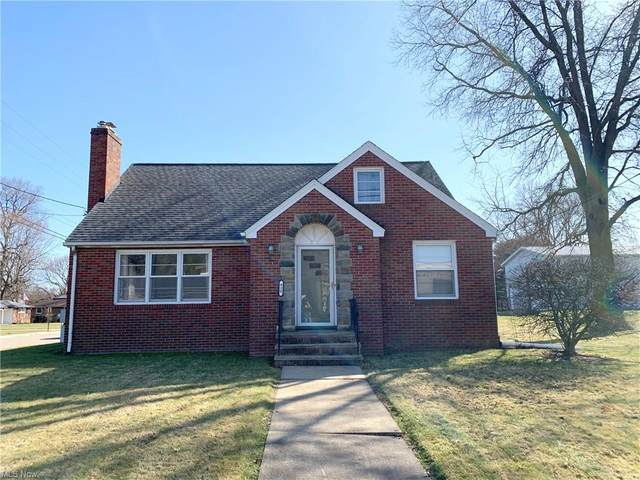 820 E Maple Street, North Canton, OH 44720 (MLS #4265989) :: The Holden Agency