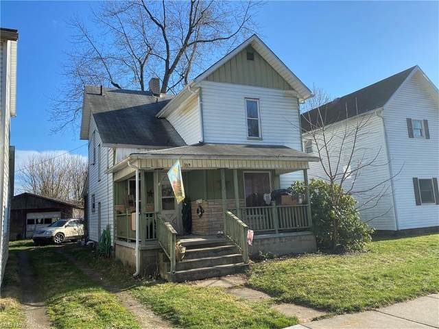319 E Canal Street, Newcomerstown, OH 43832 (MLS #4266426) :: The Kaszyca Team