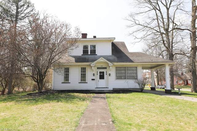 909 S Lincoln Avenue, Salem, OH 44460 (MLS #4268317) :: The Crockett Team, Howard Hanna
