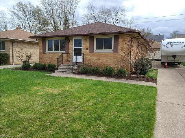 14800 Kennerdown Avenue, Maple Heights, OH 44137 (MLS #4269377) :: The Crockett Team, Howard Hanna