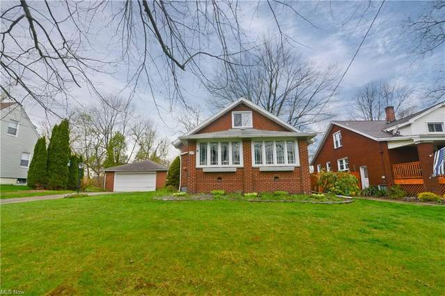 208 Parkgate Avenue, Austintown, OH 44515 (MLS #4270635) :: Select Properties Realty