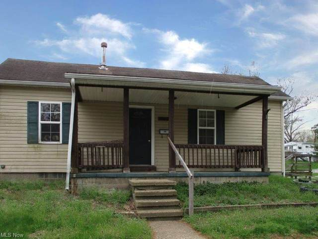 1102 Chester Street, Zanesville, OH 43701 (MLS #4271250) :: The Crockett Team, Howard Hanna