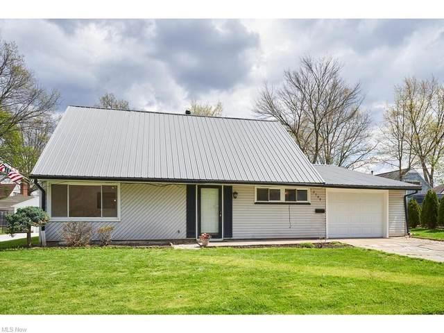2309 Giffels Drive, Cuyahoga Falls, OH 44221 (MLS #4271387) :: Keller Williams Chervenic Realty