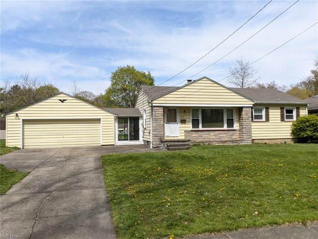 1536 Mccollum Road, Youngstown, OH 44509 (MLS #4271415) :: The Kaszyca Team