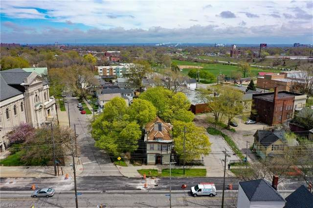 2055 W 65th Street, Cleveland, OH 44102 (MLS #4271524) :: The Crockett Team, Howard Hanna