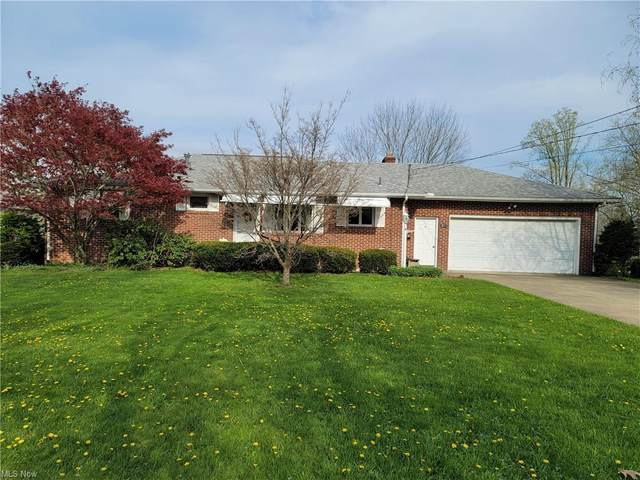 876 Lynita Drive NE, Brookfield, OH 44403 (MLS #4272659) :: The Holly Ritchie Team